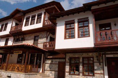 Дома Златограда, Болгария