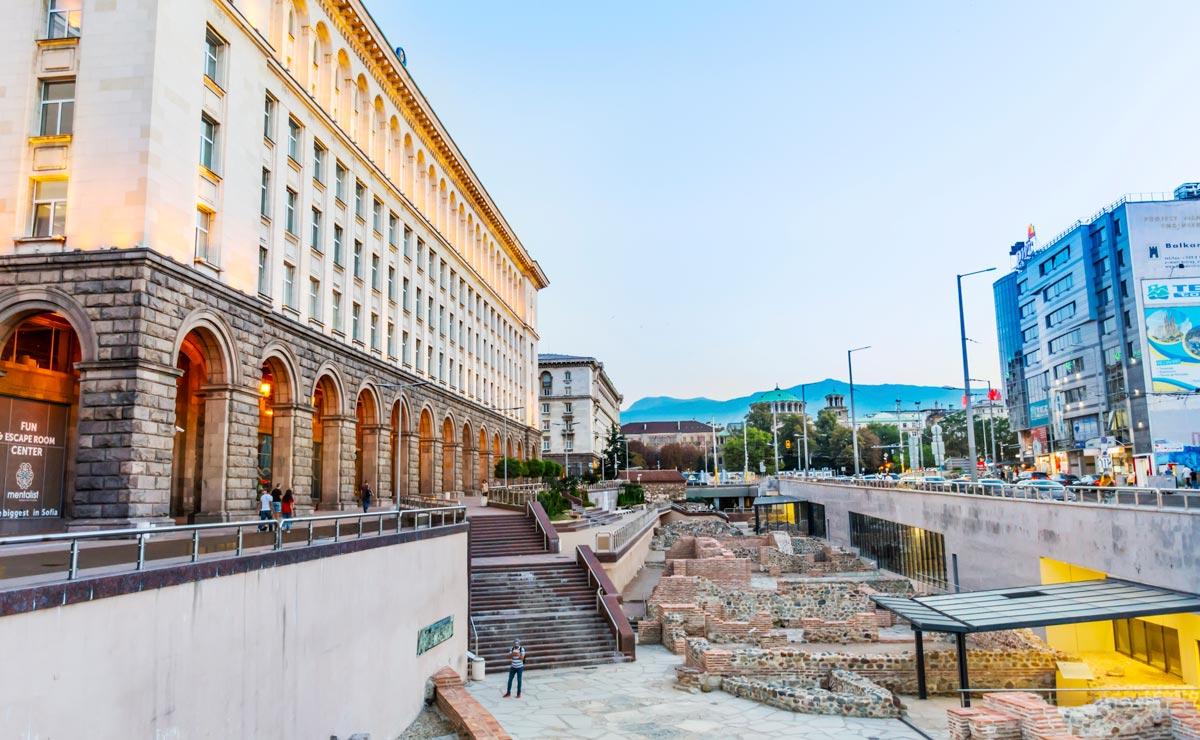 София Площадь Ларго