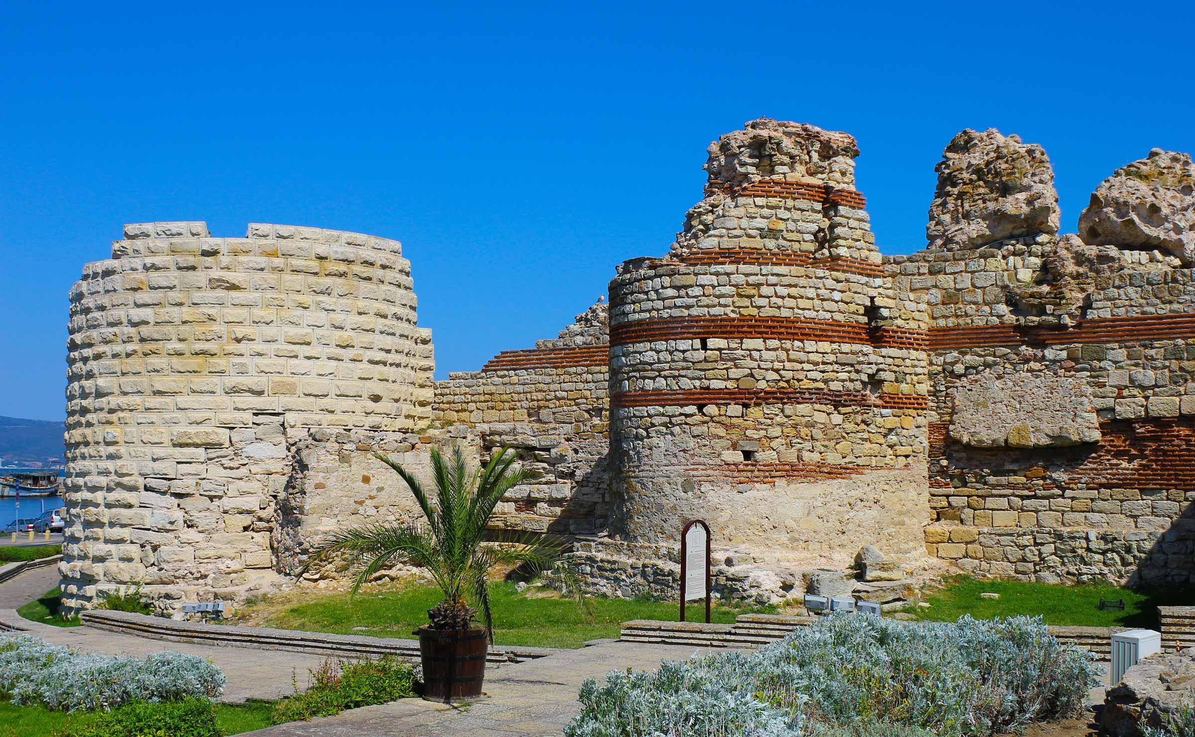 Несебр старая крепость