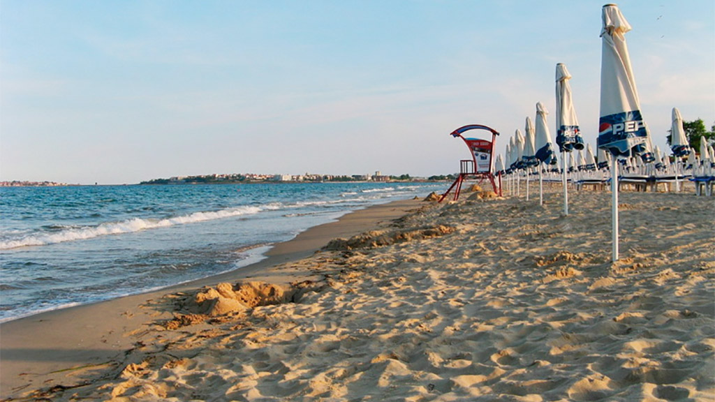 Пляж Солнечный берег