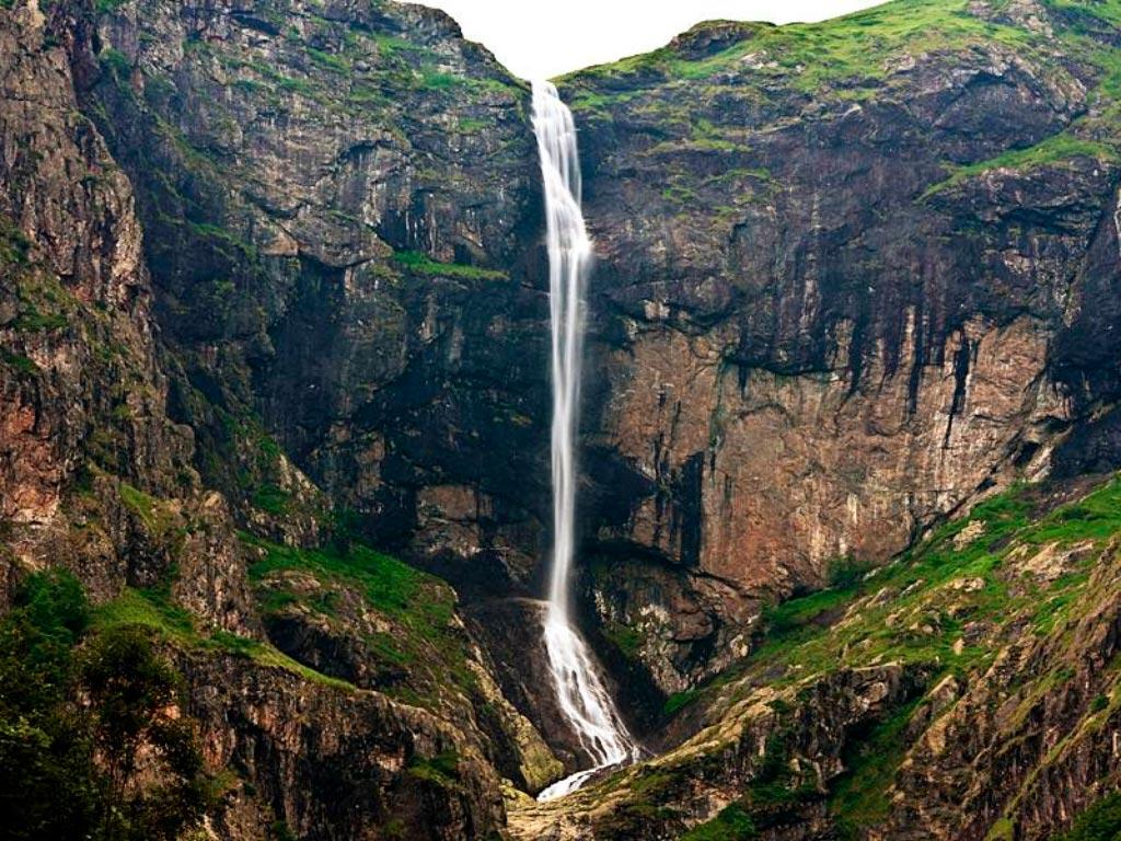 Водопад Райско Прыскало